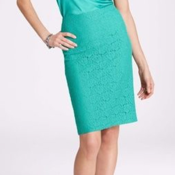 Ann Taylor Dresses & Skirts - Ann Taylor • Green Lace Pencil Skirt